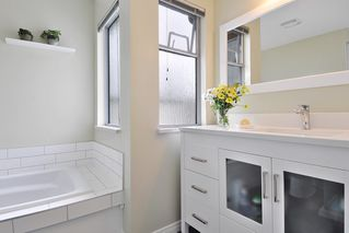 "Photo 12: 104 1232 JOHNSON Street in Coquitlam: Scott Creek Townhouse for sale in ""GREENHILL PLACE"" : MLS®# R2438974"