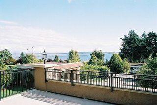 Photo 3: 13936 Marine Drive: White Rock Home for sale ()  : MLS®# F2521390