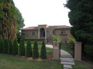 Photo 1: 13936 Marine Drive: White Rock Home for sale ()  : MLS®# F2521390