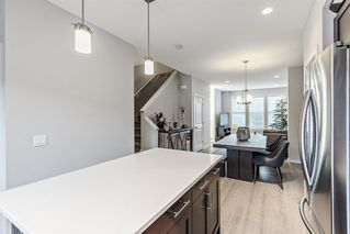 Photo 6: 1373 Legacy Circle SE in Calgary: Legacy Row/Townhouse for sale : MLS®# A1055779