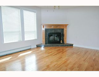 Photo 3: 12048 230TH Street in Maple Ridge: East Central House for sale : MLS®# V641235