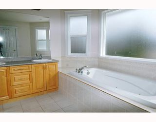 Photo 6: 12048 230TH Street in Maple Ridge: East Central House for sale : MLS®# V641235