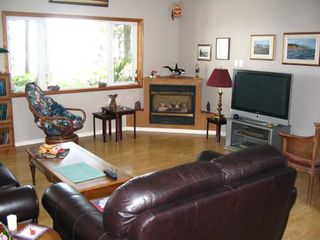 Photo 4: 5588 SEACLIFF ROAD in COURTENAY: Residential Detached for sale : MLS®# 229578