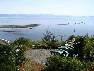 Photo 2: 5588 SEACLIFF ROAD in COURTENAY: Residential Detached for sale : MLS®# 229578