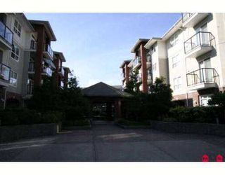 """Photo 1: 108 20239 MICHAUD Crescent in Langley: Langley City Condo for sale in """"CITY GARDENS"""" : MLS®# F2720050"""