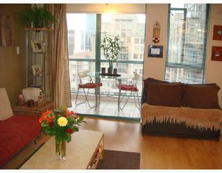 """Photo 7: 3301 939 HOMER Street in Vancouver: Downtown VW Condo for sale in """"THE PINNACLE"""" (Vancouver West)  : MLS®# V691168"""