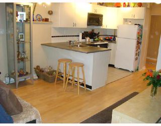 """Photo 4: 3301 939 HOMER Street in Vancouver: Downtown VW Condo for sale in """"THE PINNACLE"""" (Vancouver West)  : MLS®# V691168"""