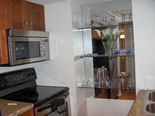 """Photo 8: 950 DRAKE Street in Vancouver: Downtown VW Condo for sale in """"ANCHOR POINT (II)"""" (Vancouver West)  : MLS®# V605279"""