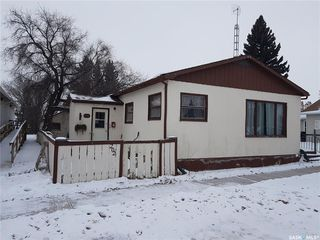 Photo 1: 202 Centre Street in Naicam: Residential for sale : MLS®# SK792408
