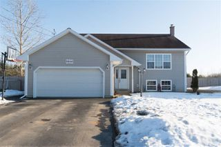 Photo 1: 1866 ACADIA Drive in Kingston: 404-Kings County Residential for sale (Annapolis Valley)  : MLS®# 202003262
