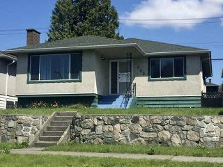 Photo 1: 1503 E 60TH Avenue in Vancouver: Fraserview VE House for sale (Vancouver East)  : MLS®# R2445267