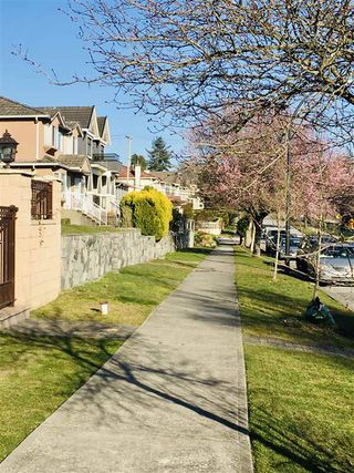 Photo 11: 1503 E 60TH Avenue in Vancouver: Fraserview VE House for sale (Vancouver East)  : MLS®# R2445267