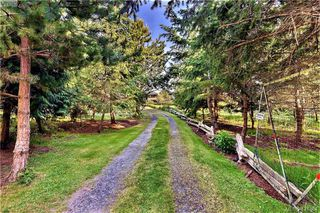 Photo 2: 9921 Southlands Dr in PENDER ISLAND: GI Pender Island Land for sale (Gulf Islands)  : MLS®# 838141