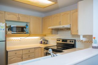 Photo 9: 217 6707 SOUTHPOINT Drive in Burnaby: South Slope Condo for sale (Burnaby South)  : MLS®# R2457751