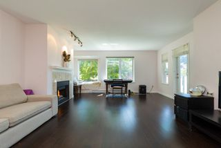 Photo 4: 217 6707 SOUTHPOINT Drive in Burnaby: South Slope Condo for sale (Burnaby South)  : MLS®# R2457751