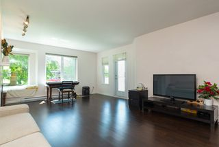 Photo 5: 217 6707 SOUTHPOINT Drive in Burnaby: South Slope Condo for sale (Burnaby South)  : MLS®# R2457751