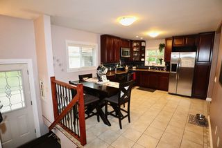 Photo 2: 15914 93A Avenue in Edmonton: Zone 22 House for sale : MLS®# E4217943