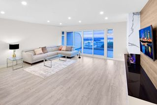 "Photo 3: 112 2274 FOLKESTONE Way in West Vancouver: Panorama Village Townhouse for sale in ""THE SUMMIT"" : MLS®# R2518711"