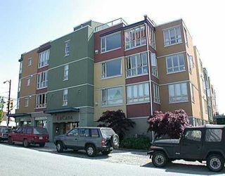 "Photo 1: 1680 E 4TH Avenue in Vancouver: Grandview VE Townhouse for sale in ""LA CASA"" (Vancouver East)  : MLS®# V660606"