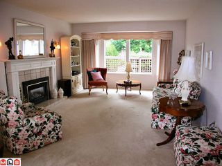 Photo 2: 105 14220 19A Avenue in Surrey: Sunnyside Park Surrey Condo for sale (South Surrey White Rock)  : MLS®# F1118695