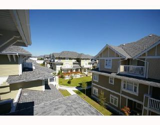 """Photo 8: 154 7388 MACPHERSON Avenue in Burnaby: Metrotown Townhouse for sale in """"ACACIA GARDENS"""" (Burnaby South)  : MLS®# V666293"""