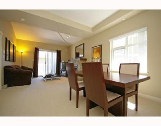 """Photo 3: 154 7388 MACPHERSON Avenue in Burnaby: Metrotown Townhouse for sale in """"ACACIA GARDENS"""" (Burnaby South)  : MLS®# V666293"""