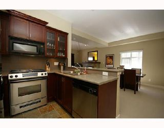 """Photo 4: 154 7388 MACPHERSON Avenue in Burnaby: Metrotown Townhouse for sale in """"ACACIA GARDENS"""" (Burnaby South)  : MLS®# V666293"""