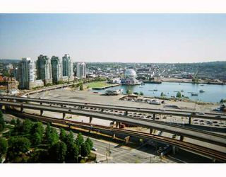 """Photo 3: 2601 58 KEEFER Place in Vancouver: Downtown VW Condo for sale in """"FIRENZE"""" (Vancouver West)  : MLS®# V682843"""