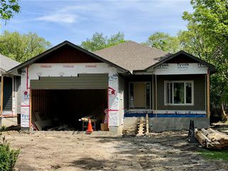 Photo 1: 523 Coventry Road in Winnipeg: Charleswood Residential for sale (1G)  : MLS®# 1923543