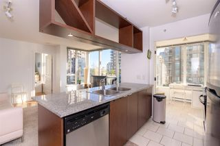"Main Photo: 906 1001 RICHARDS Street in Vancouver: Downtown VW Condo for sale in ""MIRO"" (Vancouver West)  : MLS®# R2398631"