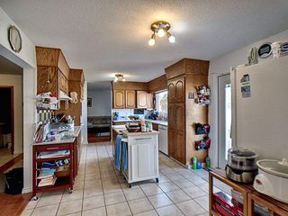 Photo 5: 18324 71 Avenue in Edmonton: Zone 20 House for sale : MLS®# E4172959