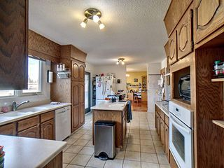 Photo 6: 18324 71 Avenue in Edmonton: Zone 20 House for sale : MLS®# E4172959