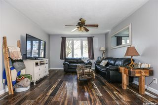 Photo 4: 38 Dominion Crescent in Saskatoon: Confederation Park Residential for sale : MLS®# SK797921