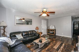 Photo 3: 38 Dominion Crescent in Saskatoon: Confederation Park Residential for sale : MLS®# SK797921