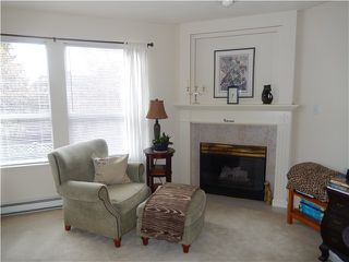 Photo 4: 204 1576 MERKLIN Street in White Rock: Home for sale : MLS®# F1432171