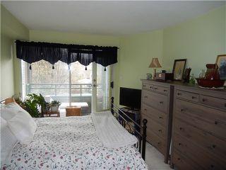 Photo 12: 204 1576 MERKLIN Street in White Rock: Home for sale : MLS®# F1432171