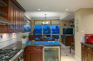 Photo 5: 2201 1328 MARINASIDE Crescent in Vancouver: Yaletown Condo for sale (Vancouver West)  : MLS®# R2507733