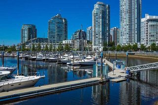 Photo 20: 2201 1328 MARINASIDE Crescent in Vancouver: Yaletown Condo for sale (Vancouver West)  : MLS®# R2507733