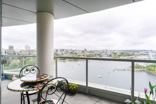 Photo 15: 2201 1328 MARINASIDE Crescent in Vancouver: Yaletown Condo for sale (Vancouver West)  : MLS®# R2507733