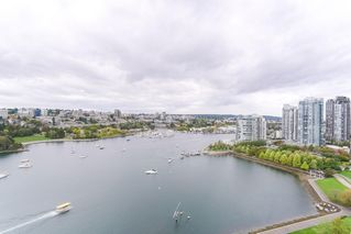 Photo 16: 2201 1328 MARINASIDE Crescent in Vancouver: Yaletown Condo for sale (Vancouver West)  : MLS®# R2507733