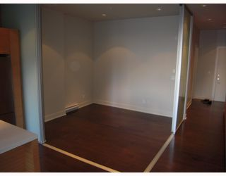 """Photo 5: 102 4463 W 10TH Avenue in Vancouver: Point Grey Condo for sale in """"WEST POINT GREY"""" (Vancouver West)  : MLS®# V793763"""