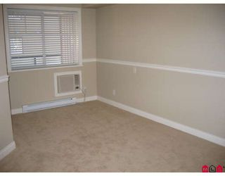 """Photo 5: 210 19730 56TH Avenue in Langley: Langley City Condo for sale in """"MADISON PLACE"""" : MLS®# F2801819"""