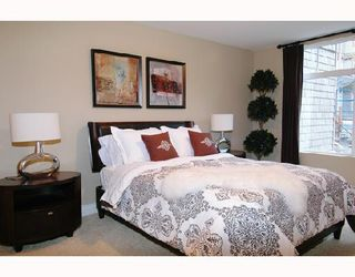 "Photo 7: 305 12268 224TH Street in Maple_Ridge: East Central Condo for sale in ""STONEGATE"" (Maple Ridge)  : MLS®# V701629"