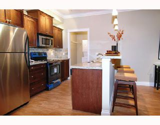 "Photo 5: 305 12268 224TH Street in Maple_Ridge: East Central Condo for sale in ""STONEGATE"" (Maple Ridge)  : MLS®# V701629"