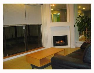 Photo 4: 107 350 E 5TH Avenue in Vancouver: Mount Pleasant VE Condo for sale (Vancouver East)  : MLS®# V709158