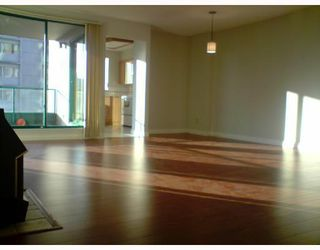 Photo 2: 803 410 CARNARVON Street in New_Westminster: Downtown NW Condo for sale (New Westminster)  : MLS®# V715954