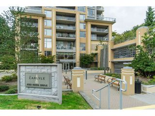"""Photo 3: 2203 280 ROSS Drive in New Westminster: Fraserview NW Condo for sale in """"The Carlyle"""" : MLS®# R2396178"""