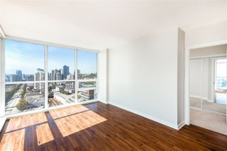 "Photo 6: 1504 125 COLUMBIA Street in New Westminster: Downtown NW Condo for sale in ""Northbank"" : MLS®# R2401099"