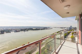 "Photo 4: 1504 125 COLUMBIA Street in New Westminster: Downtown NW Condo for sale in ""Northbank"" : MLS®# R2401099"