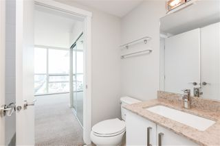 "Photo 13: 1504 125 COLUMBIA Street in New Westminster: Downtown NW Condo for sale in ""Northbank"" : MLS®# R2401099"